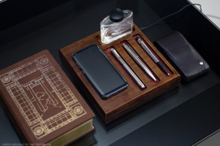 A bespoke pen tray that charges your smartphone wirelessly – handmade by Andrew James Crafts in Singapore!